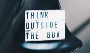 piensa en ideas diferentes