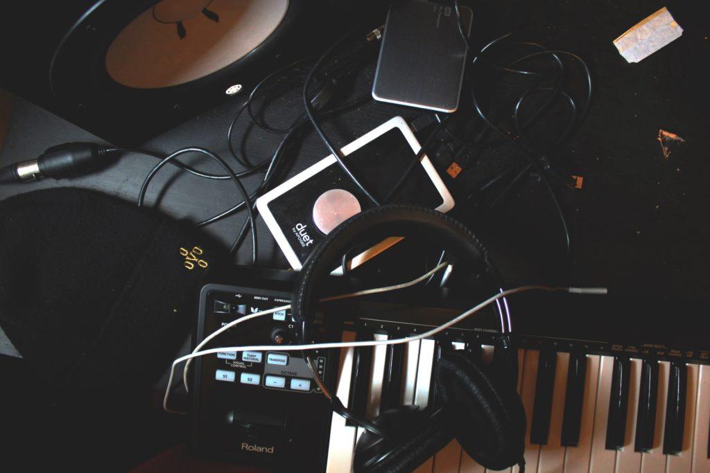 dispositivos musicales modernos