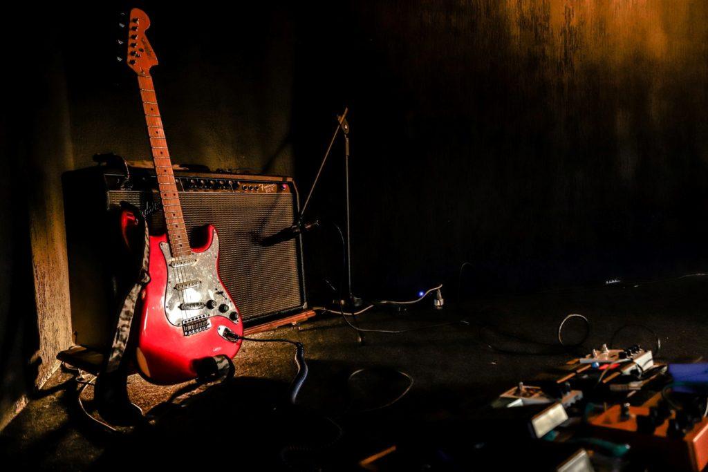 guitarra amplificador pedales canciones