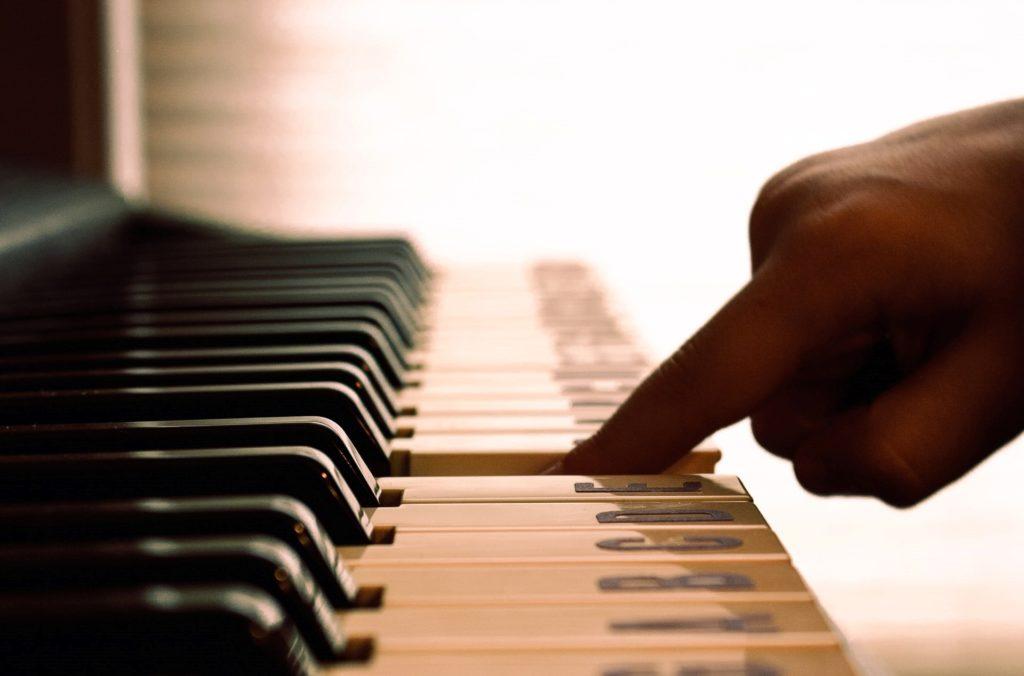 piano escuela de música