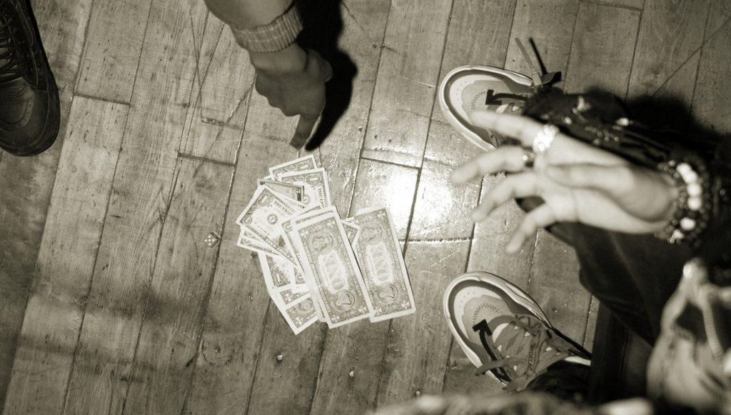 Dinero, regalías, canciones